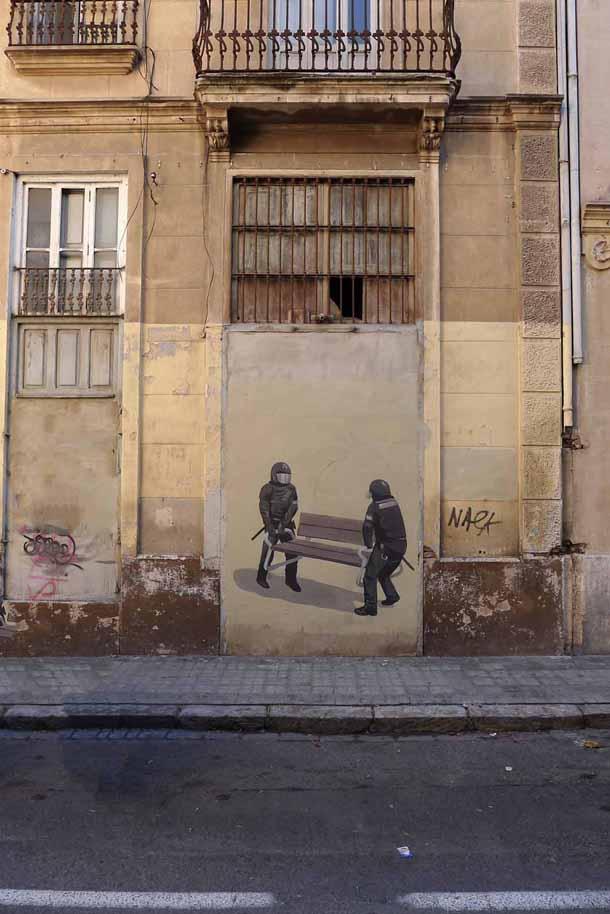 Escif-Rescatar-un-Banco-New-Piece-in-Valencia-02