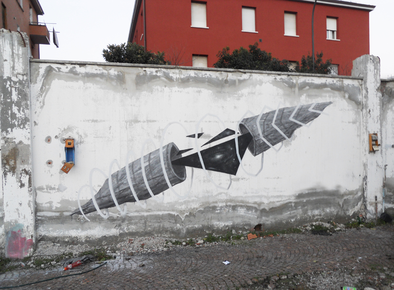 G.Loois-New-Mural-in-Abandoned-Factory-01