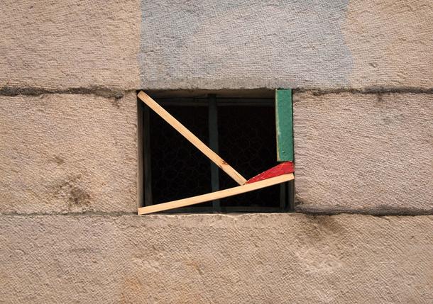 MOMO-Improbables-Installation-in-Besançon-France-06
