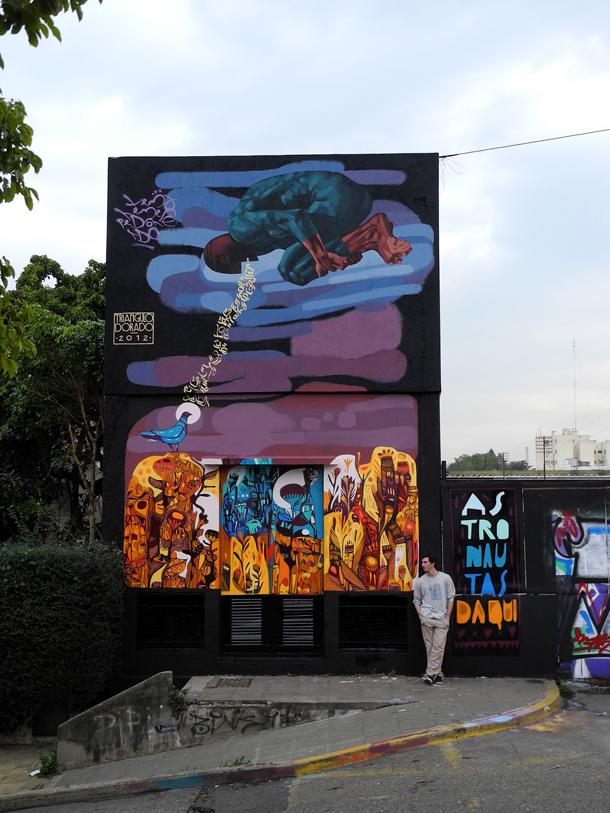 Triangulo-Dorado-Astronautas-Daqui-New-Mural-01