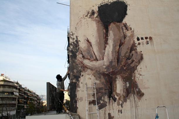 borondo-new-mural-in-greece-01