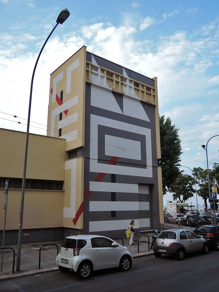 eltono-new-mural-in-bari-for-fresh-flaneurs-01