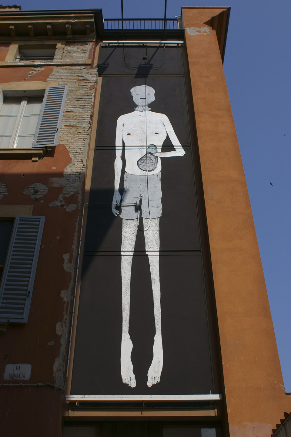 herbert-baglione-new-mural-at-icone5.9-07