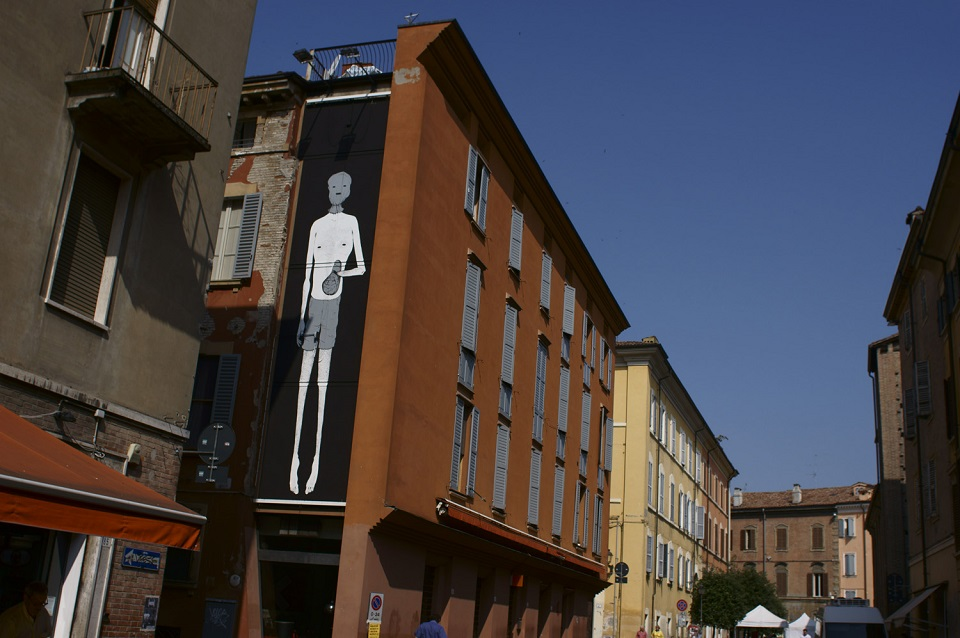 herbert-baglione-new-mural-at-icone5.9-08