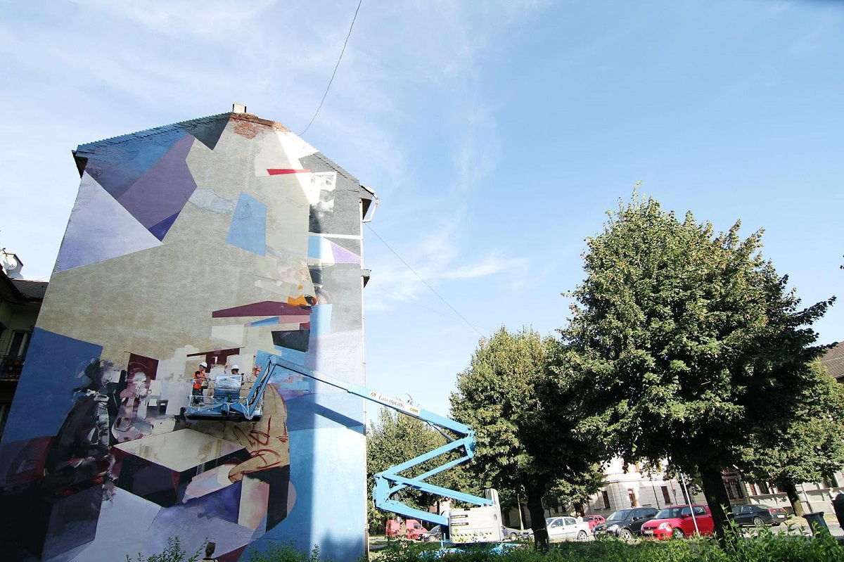 robert-proch-chazme-new-mural-in-kosice-slovakia-04