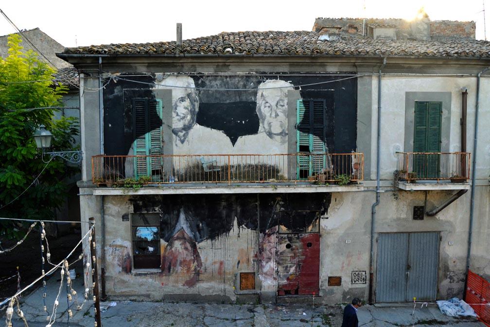borondo-new-mural-in-mosciano-santangelo-01