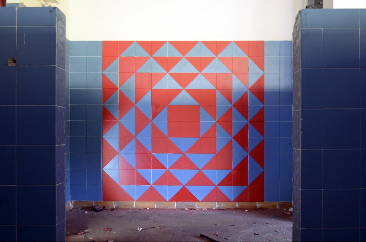 ak-new-mural-inside-an-abandoned-factory-01