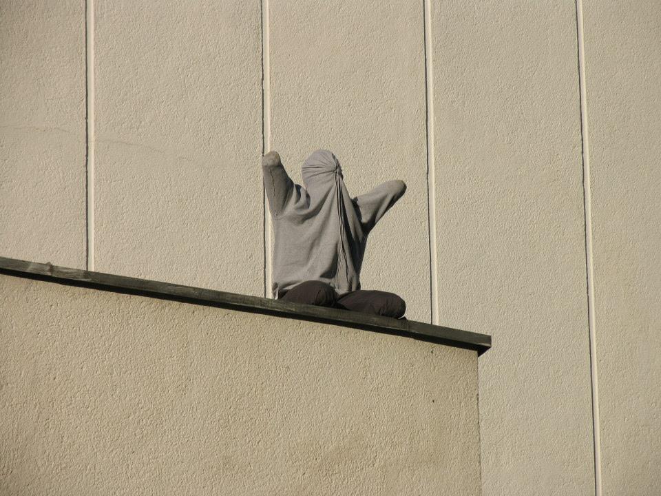 mark-jenkins-new-installations-at-vilnius-street-art-festival-02