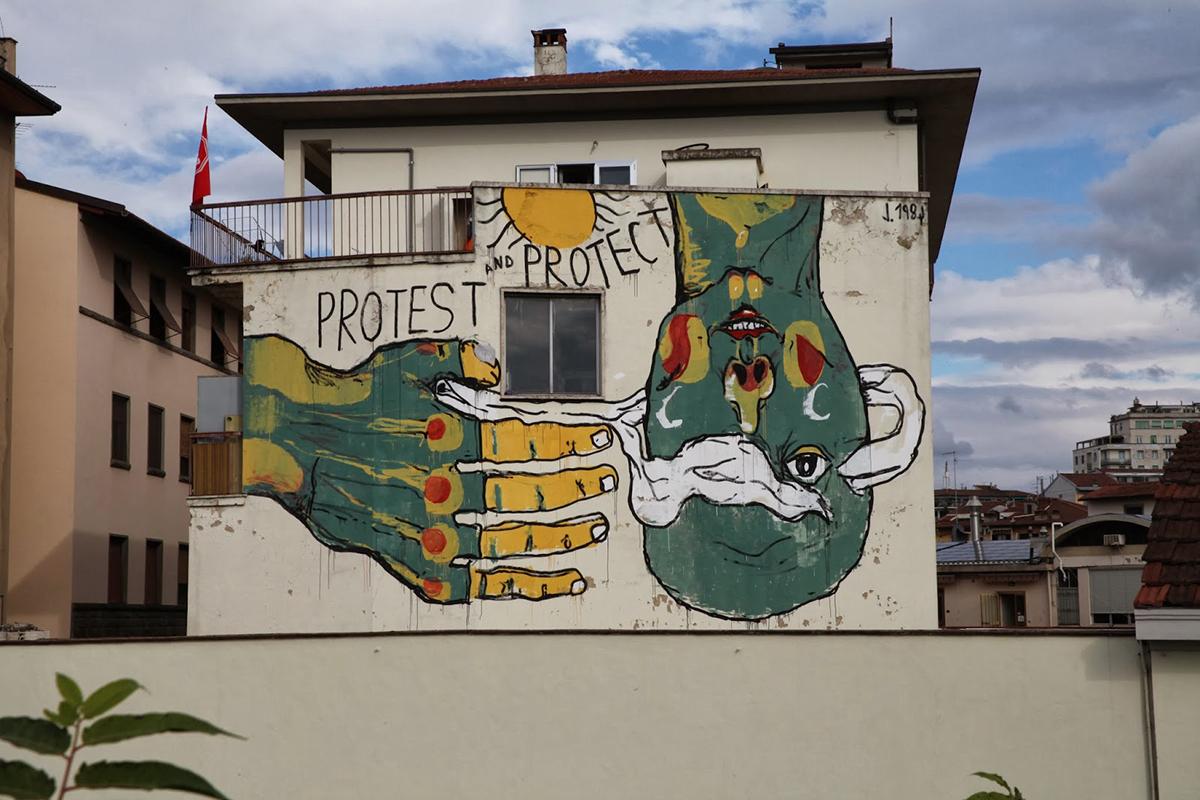 emajons-preghiera-al-sole-new-mural-in-firenze-01