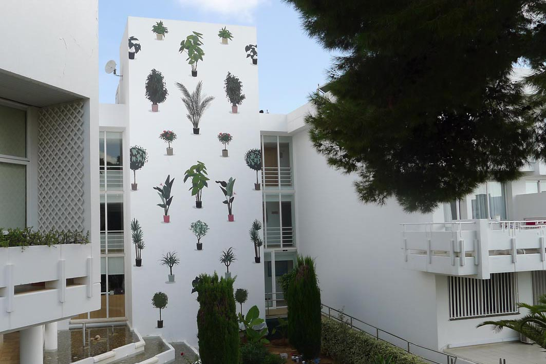 escif-vertical-garden-new-mural-mallorca-01
