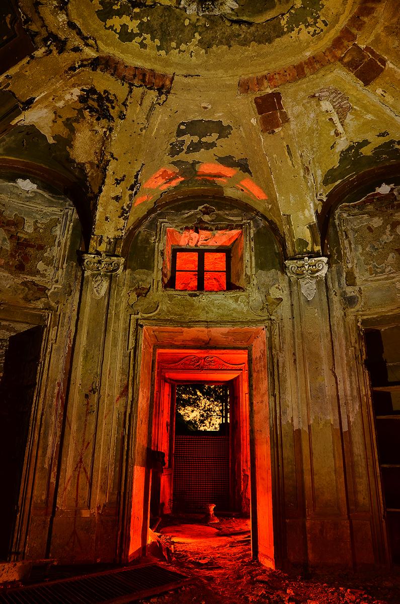 garu-garu-exploring-abandoned-places-03