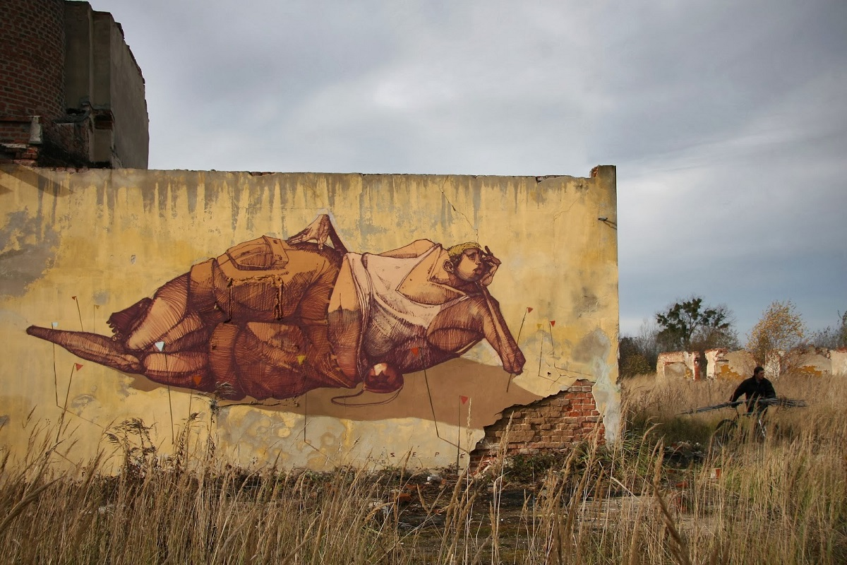 sepe-chilling-on-the-mine-field-new-mural-in-kluczbork-poland-01
