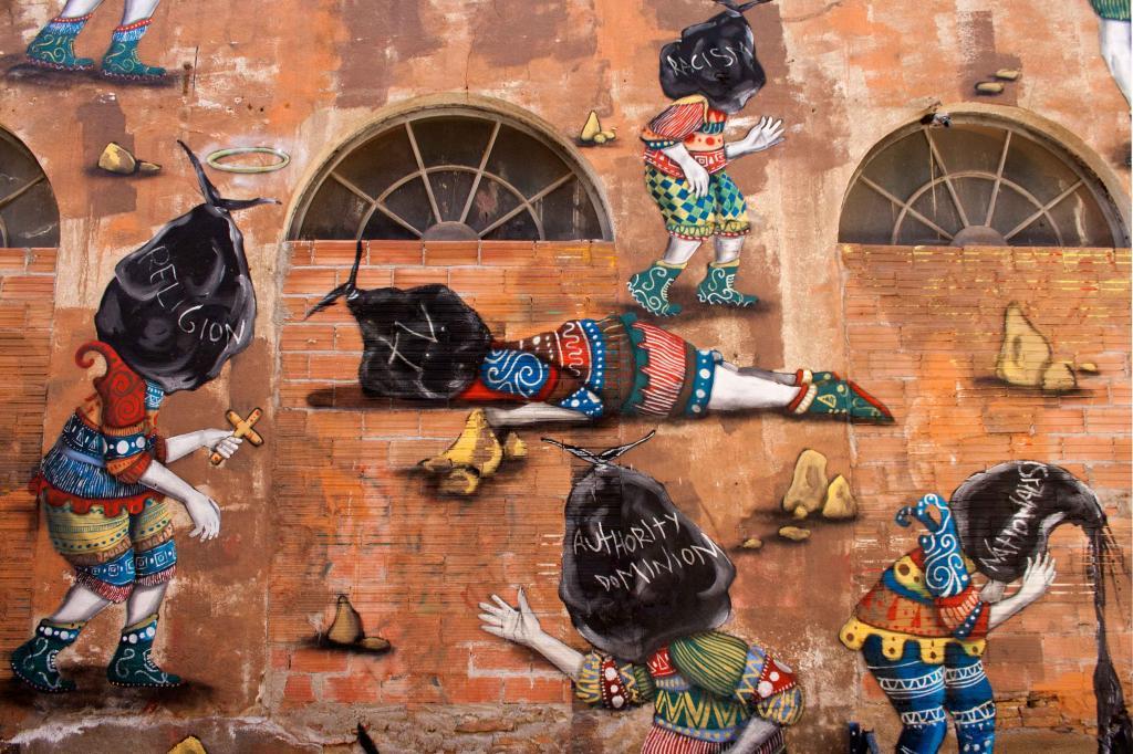 skount-trash-in-head-mural-la-escocesa-03