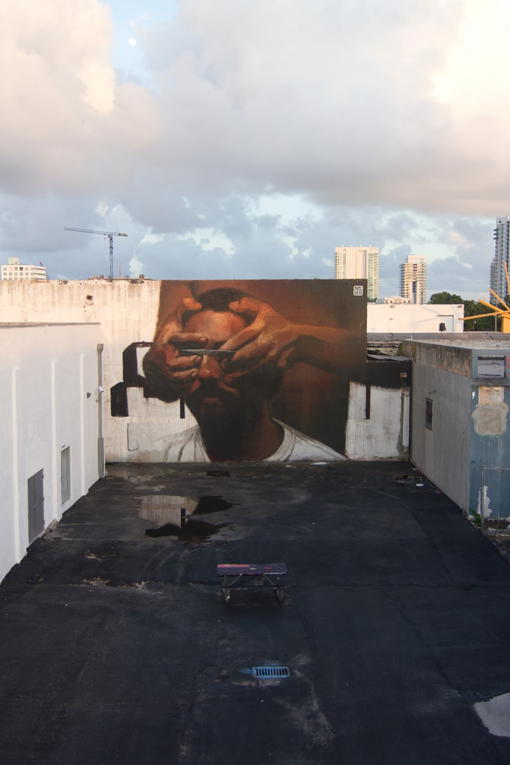 axel-void-knife-new-mural-in-miami-04