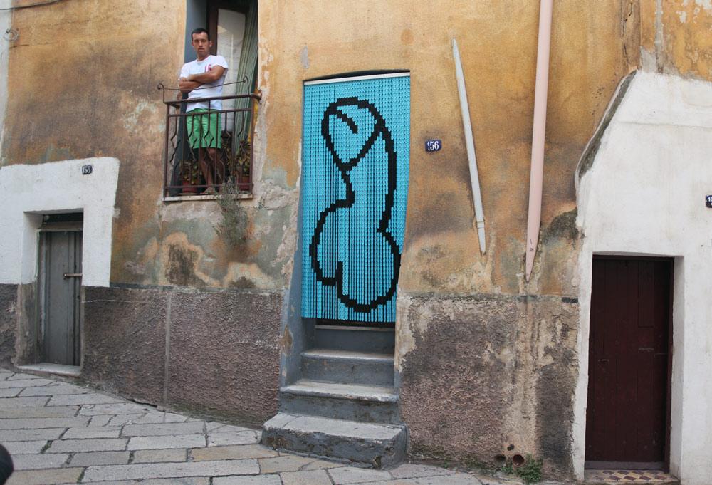 brad-downey-akay-new-exhibition-in-grottaglie-01