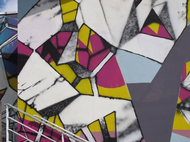 erosie-new-piece-at-bien-urbain-festival-2013-04