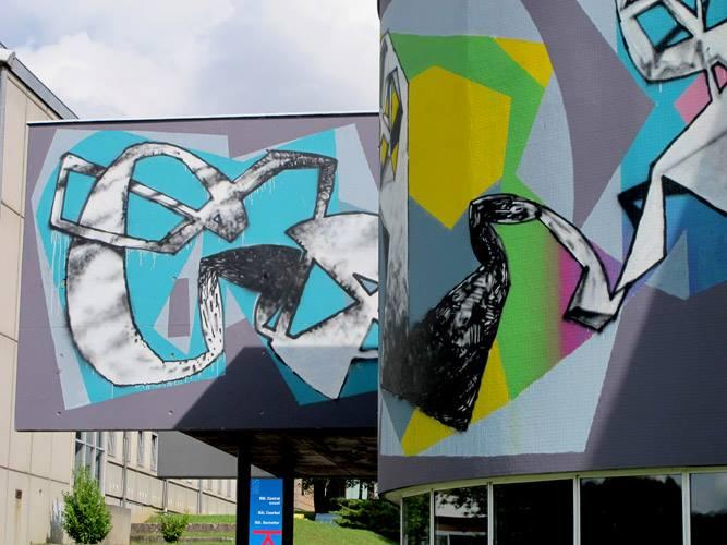 erosie-new-piece-at-bien-urbain-festival-2013-05