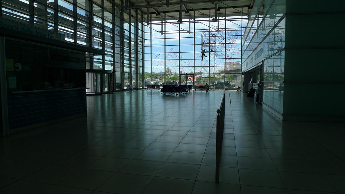 hitnes-il-nido-new-piece-at-sanzio-airport-14