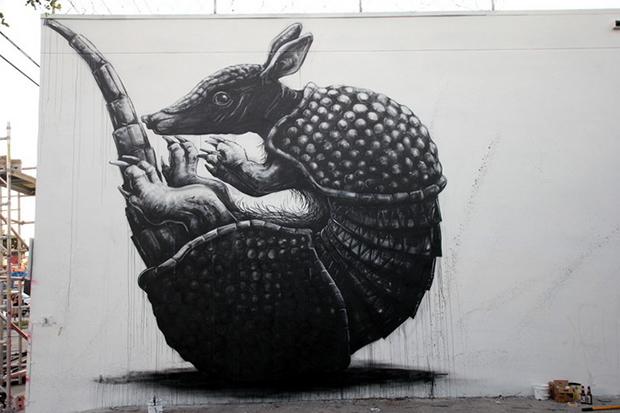 roa-armadillo-new-mural-for-art-basel-2013-01
