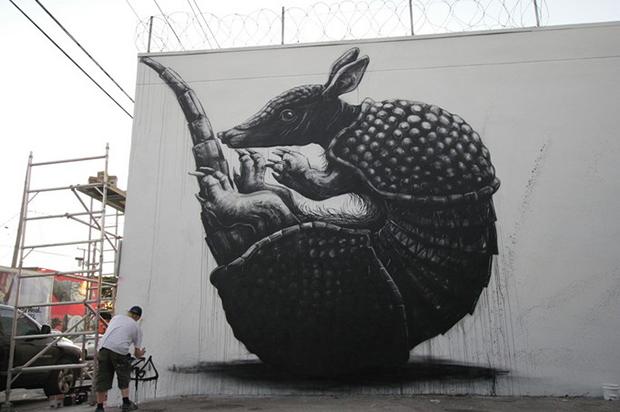 roa-armadillo-new-mural-for-art-basel-2013-03