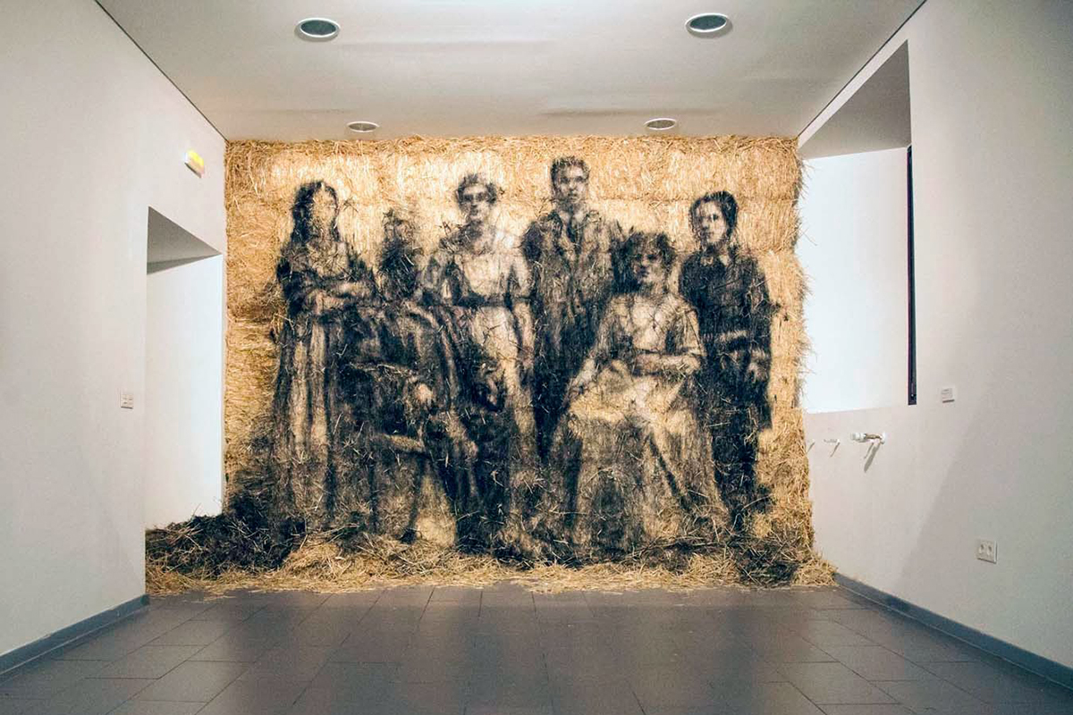 borondo-a-new-indoor-installation-in-segovia-spain-01