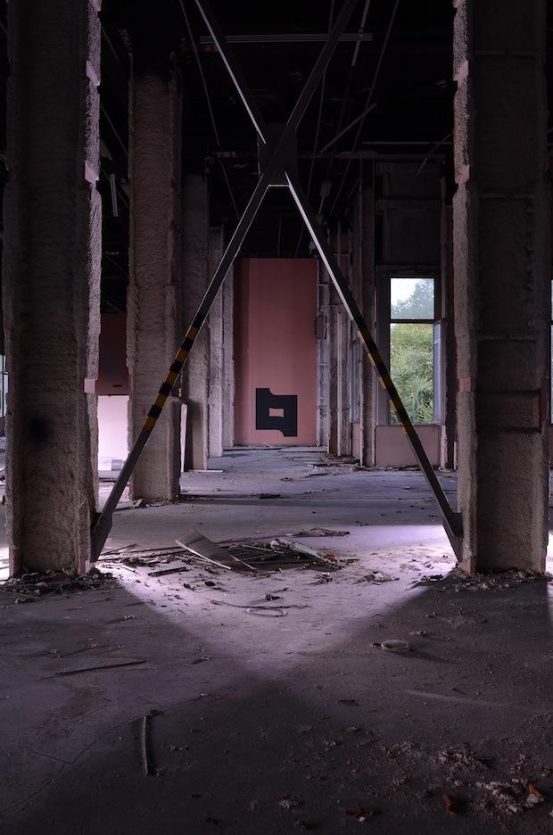garu-garu-exploring-the-street-art-in-abandoned-places-12