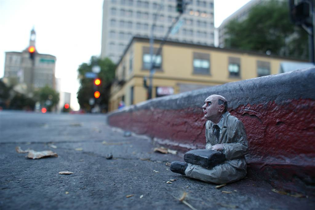 isaac-cordal-a-series-of-new-pieces-05