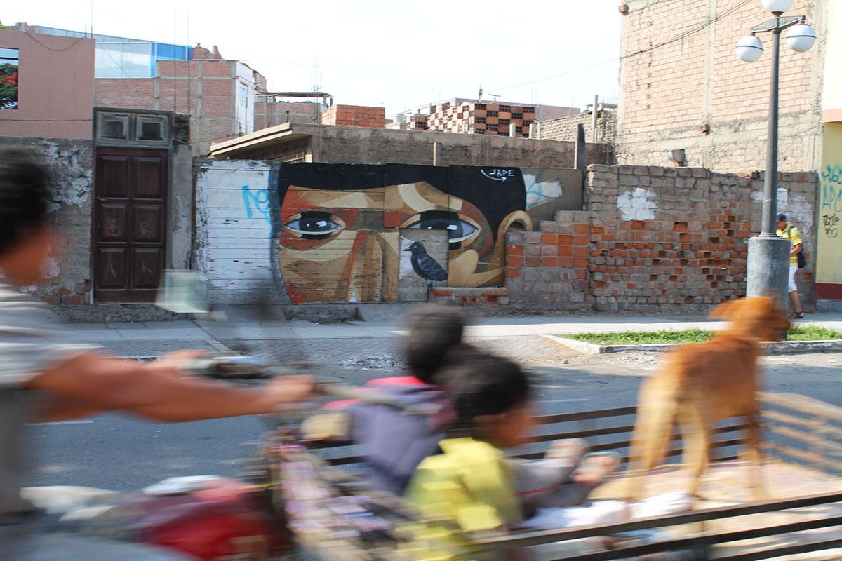 jade-el-huesped-new-mural-in-lima-03