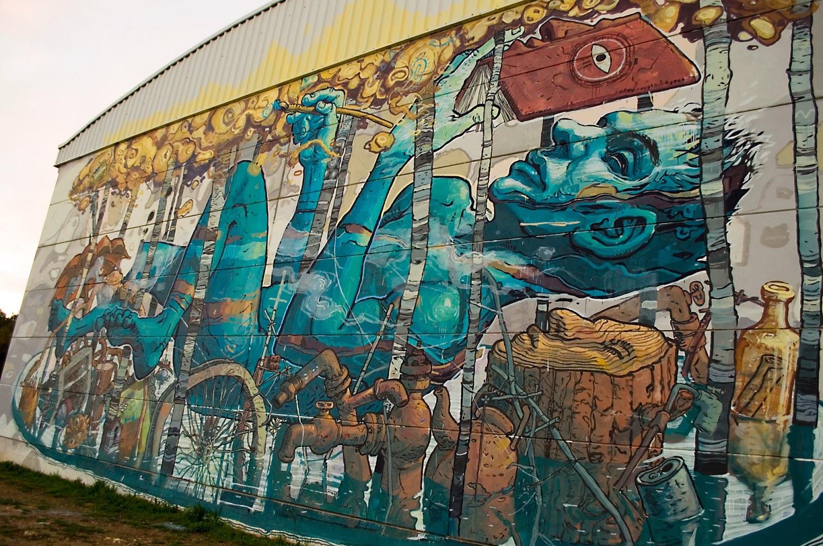 Riquiño-new-mural-at-desordes-creativas-2013-05