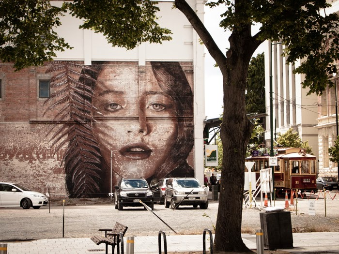 rone-new-mural-in-christchurch-new-zealand-01