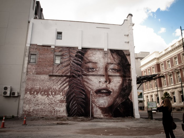 rone-new-mural-in-christchurch-new-zealand-02