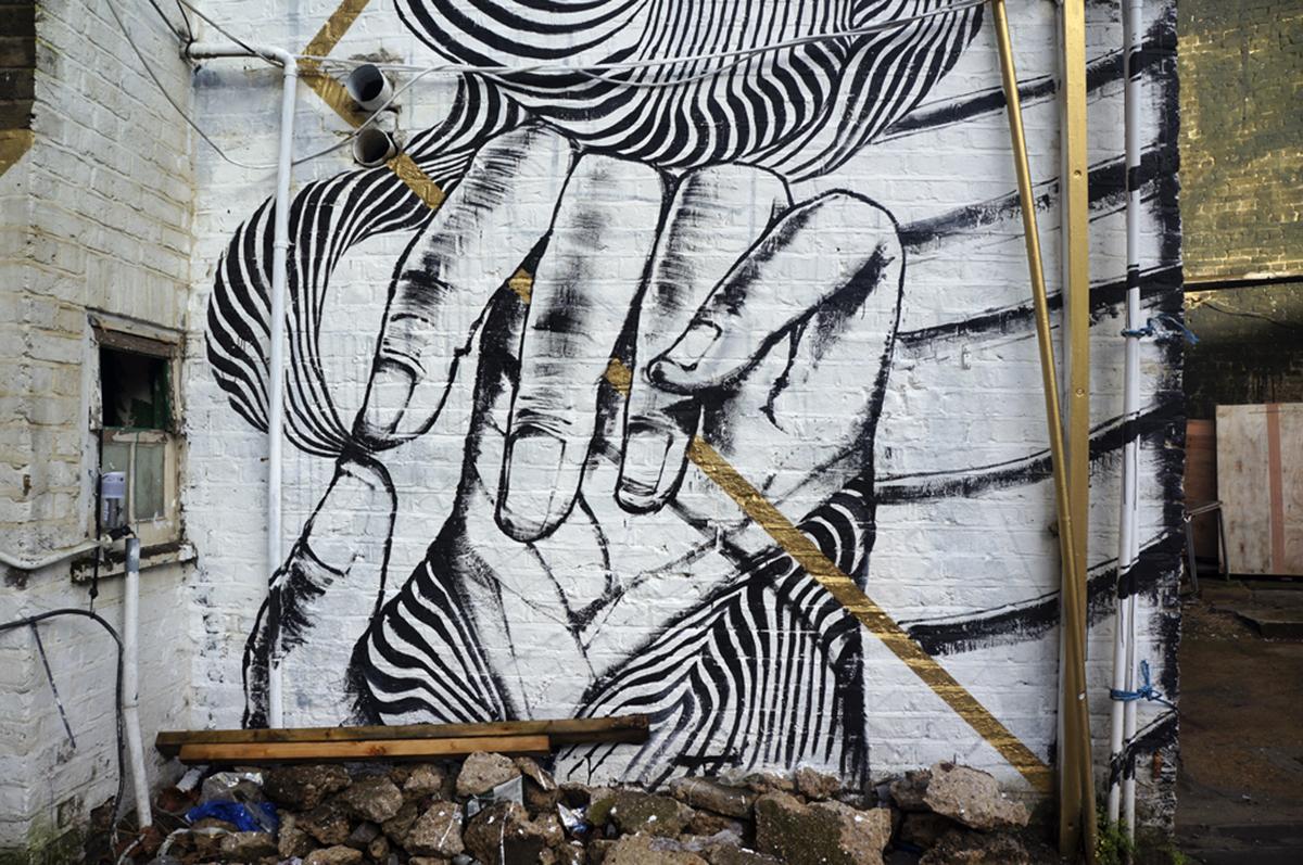 run-2501-new-mural-in-london-03