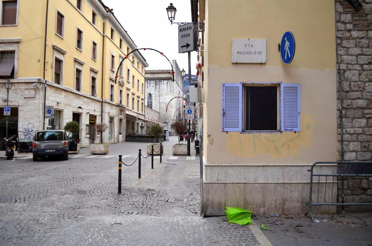 sbagliato-window-new-piece-in-ascoli-piceno-01
