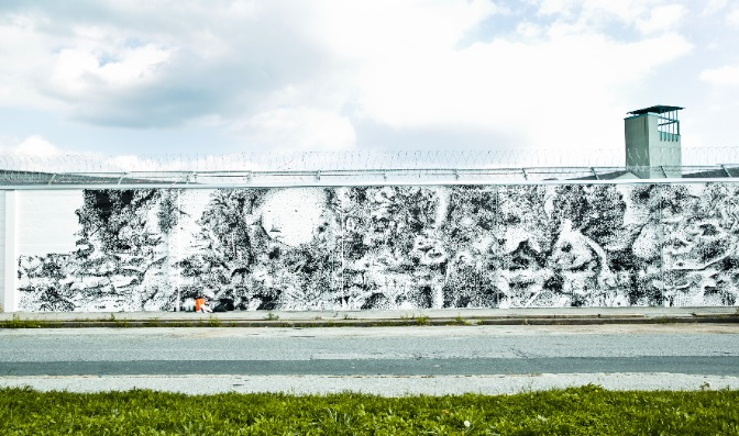 viktor-kroll-and-rossella-libardoni-new-mural-in-graz-01