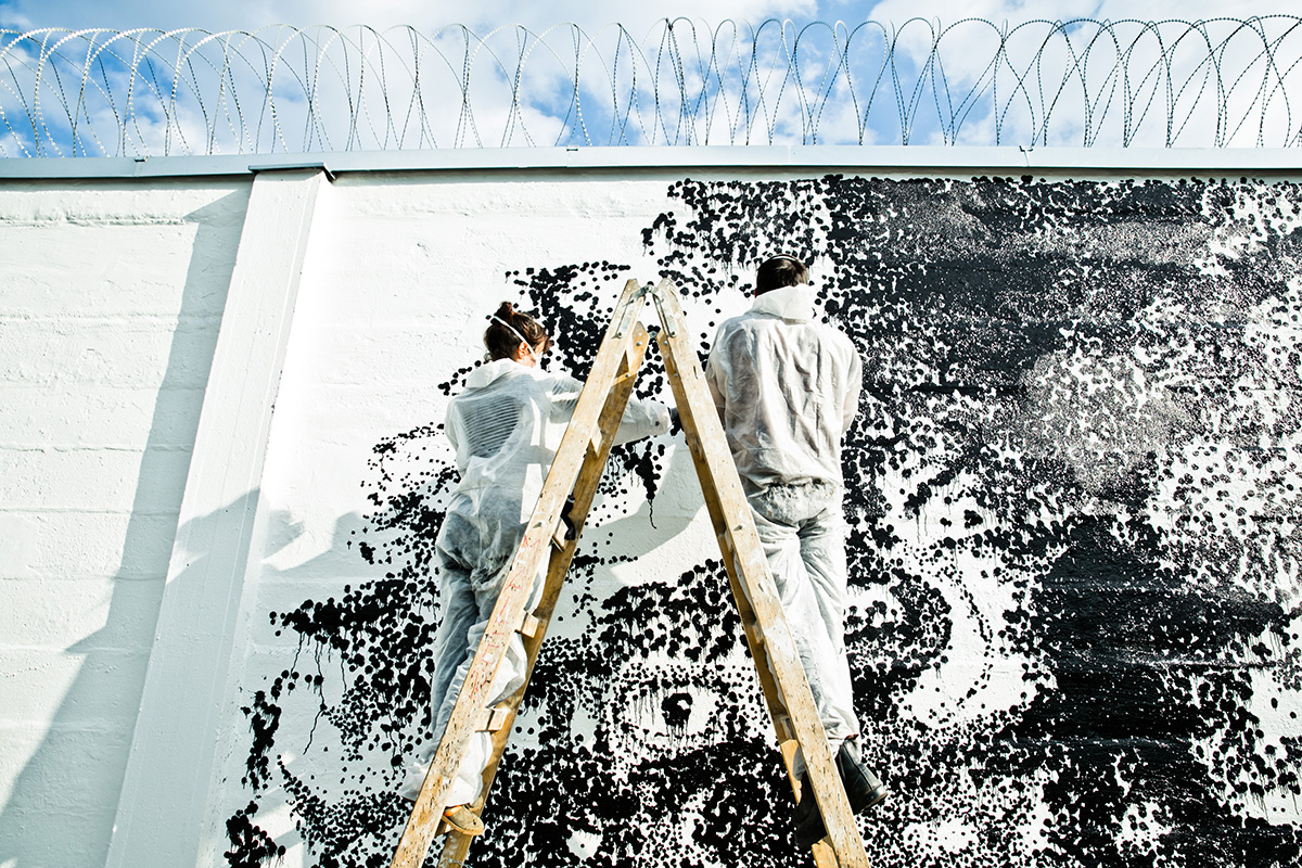 viktor-kroll-and-rossella-libardoni-new-mural-in-graz-05
