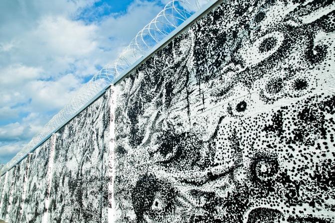 viktor-kroll-and-rossella-libardoni-new-mural-in-graz-10