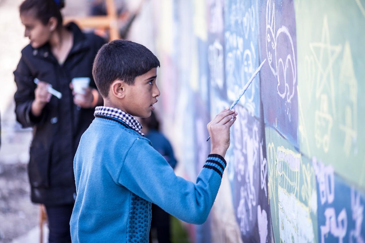 herakut-new-murals-in-zaatari-jordan-09