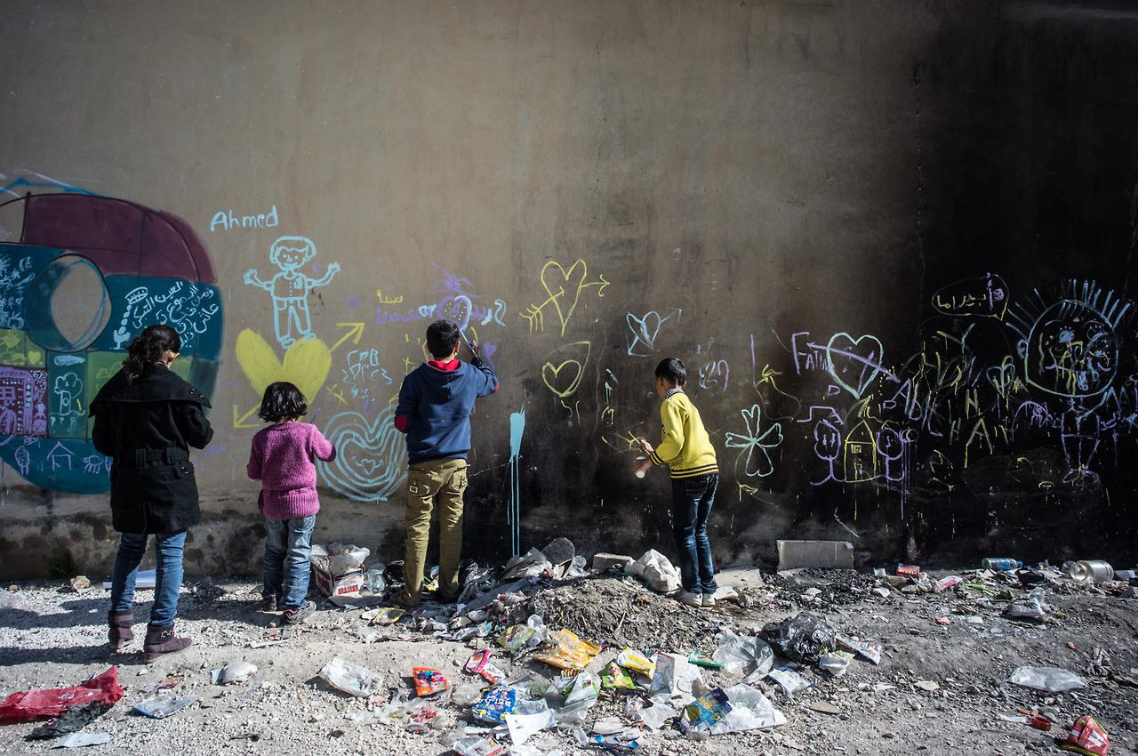 herakut-new-murals-in-zaatari-jordan-10