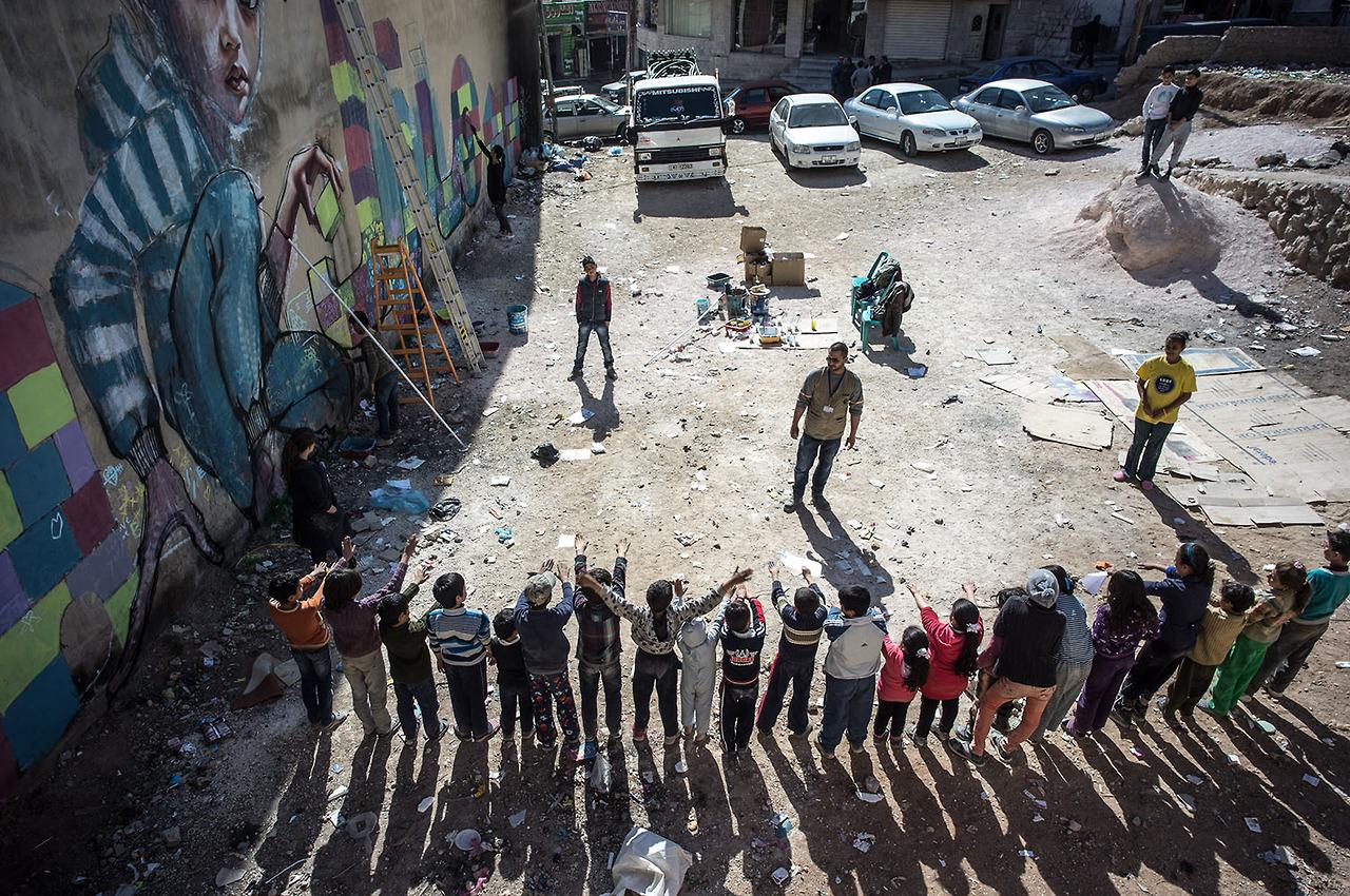 herakut-new-murals-in-zaatari-jordan-11
