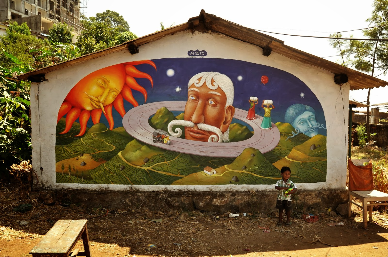 interesni-kazki-visit-of-saturn-new-mural-in-india-02