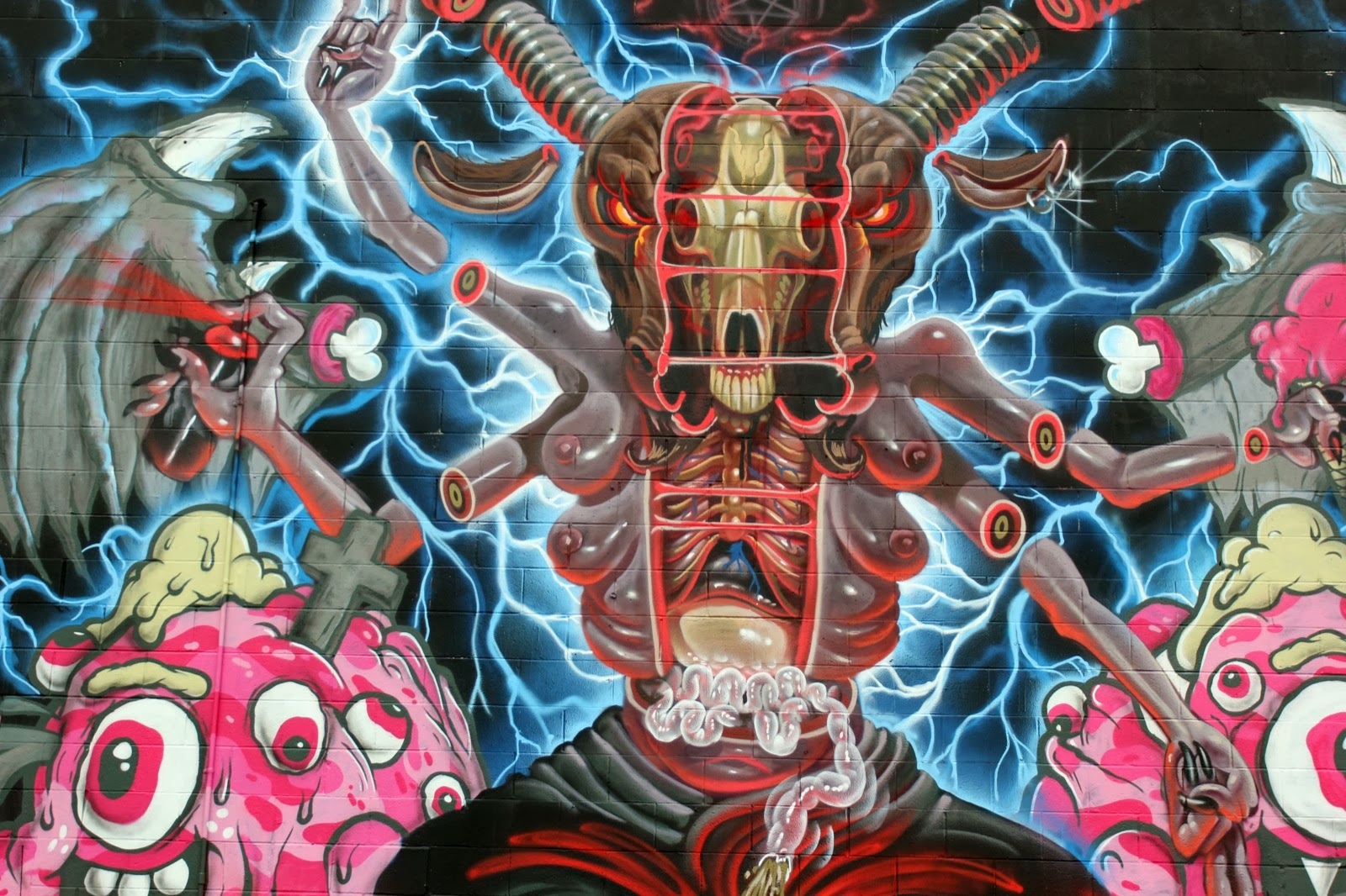 nychos-buff-monster-for-pow-wow-hawaii-2014-02