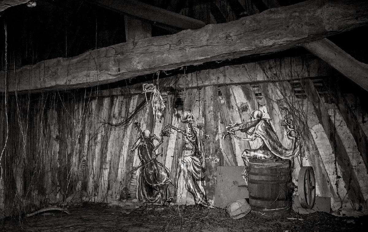 ro-scenes-macabre-a-new-piece-01