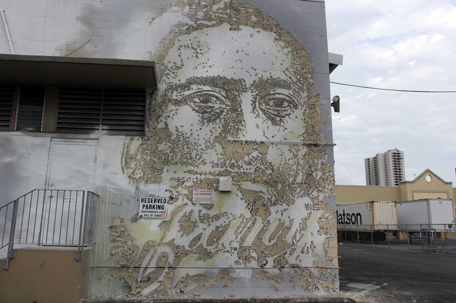vhils-for-pow-wow-hawaii-2014-part1-02