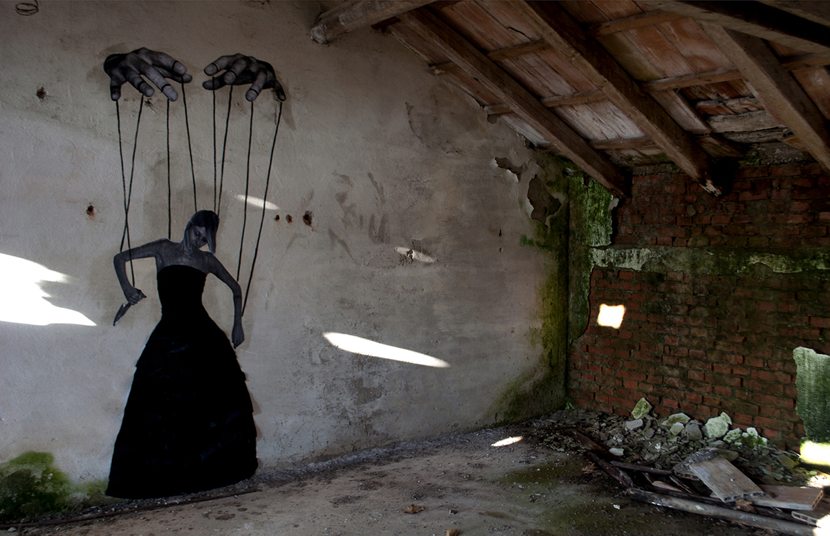 carne-a-series-of-new-pieces-inside-an-abandoned-building-04