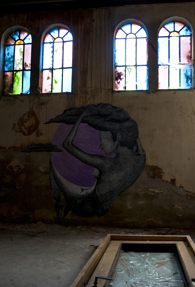 carne-a-series-of-new-pieces-inside-an-abandoned-building-05