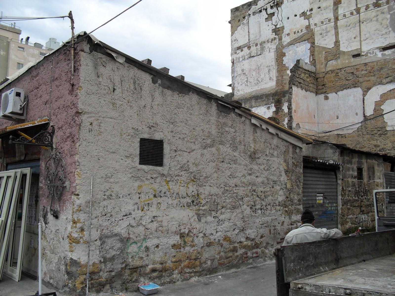 emajons-series-of-new-murals-in-borgo-vecchio-palermo-08