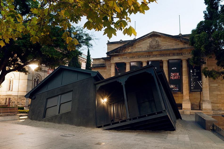ian-strange-landed-new-installation-in-adelaide-01