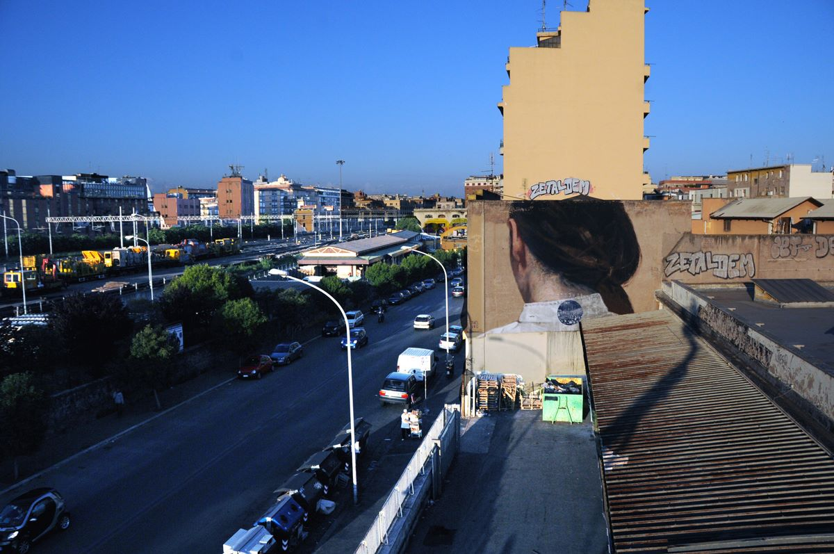 axel-void-new-mural-for-avanguardie-urbane-roma-street-art-festival-01