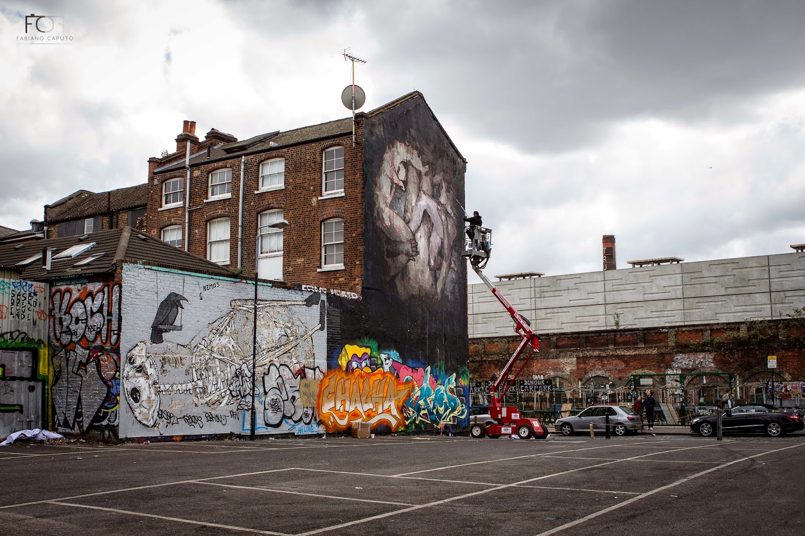 borondo-triade-new-mural-in-shoreditch-london-09