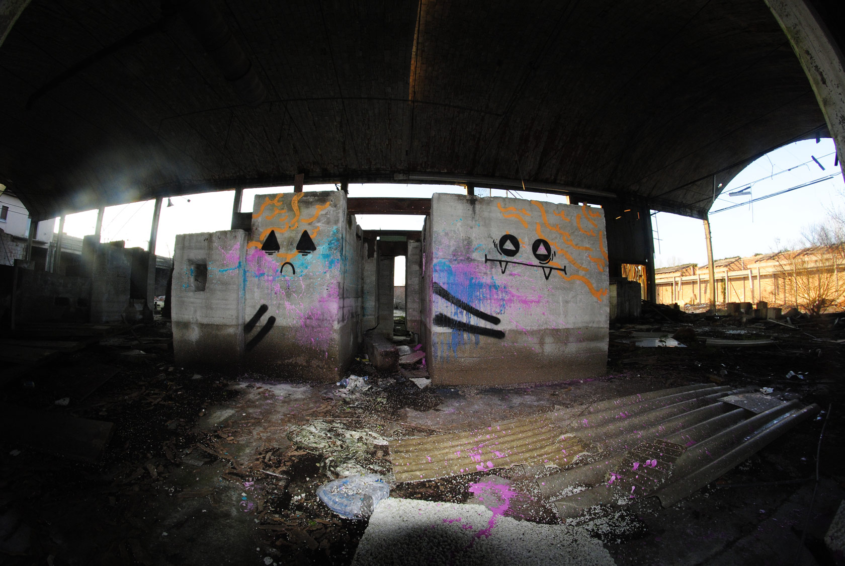 el-euro-series-of-new-pieces-in-an-abandoned-places-04